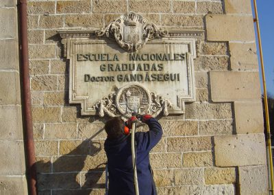 Spanish monument plaque cleaning