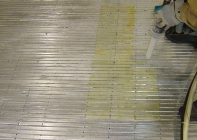 glue removal from conveyor - Spain